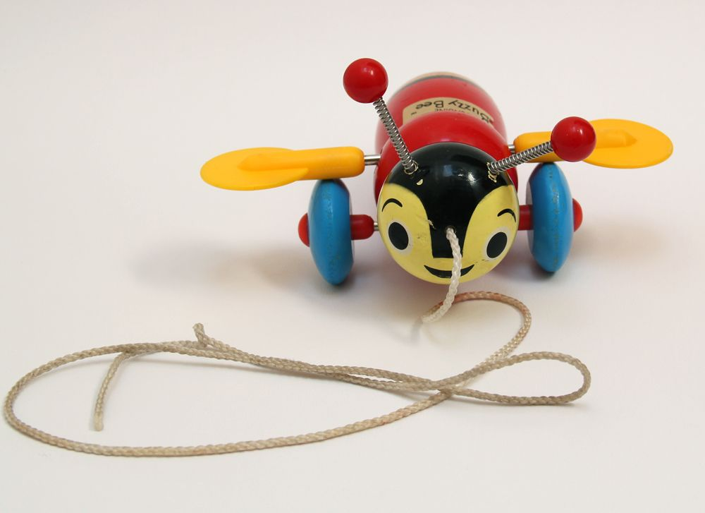 Vintage Wooden Buzzy Bee Pull Along Toy Magpie Hen