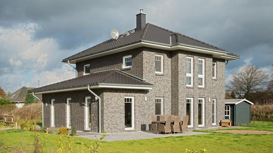 Stadtvilla klinker grau  Stadtvillen | Villa Lugana, Schrägansicht | Haus | Pinterest ...