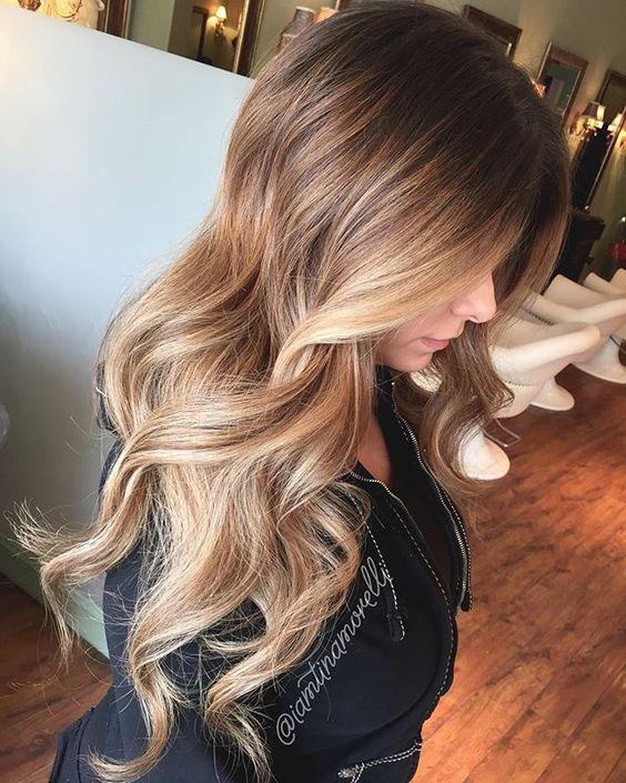 einfache schnelle und wundersch ne aussehende open curly frisuren f r m dchen haarfarben. Black Bedroom Furniture Sets. Home Design Ideas
