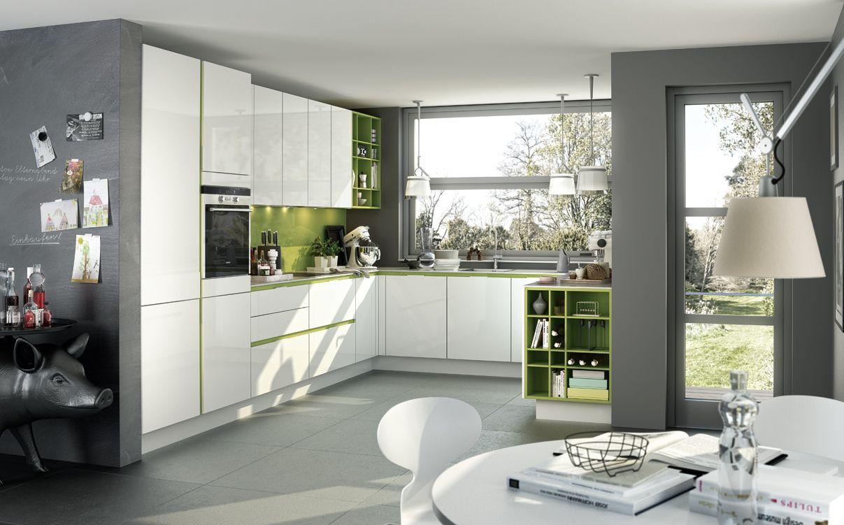 SieMatic S3: weiße Küche in SimiLaque hochglänzend mit grünem ...