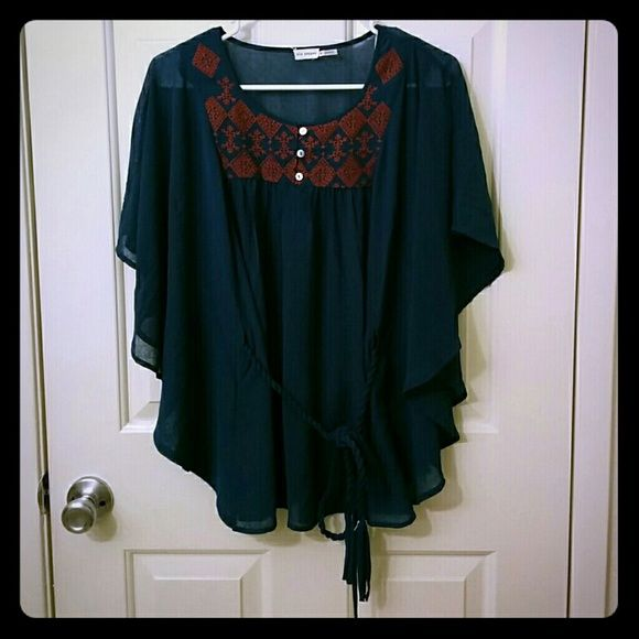 Blu Pepper Boho Tie Waist Blouse Top Blouse is NWOT with a flowy oversize feel Blu Pepper Tops Blouses