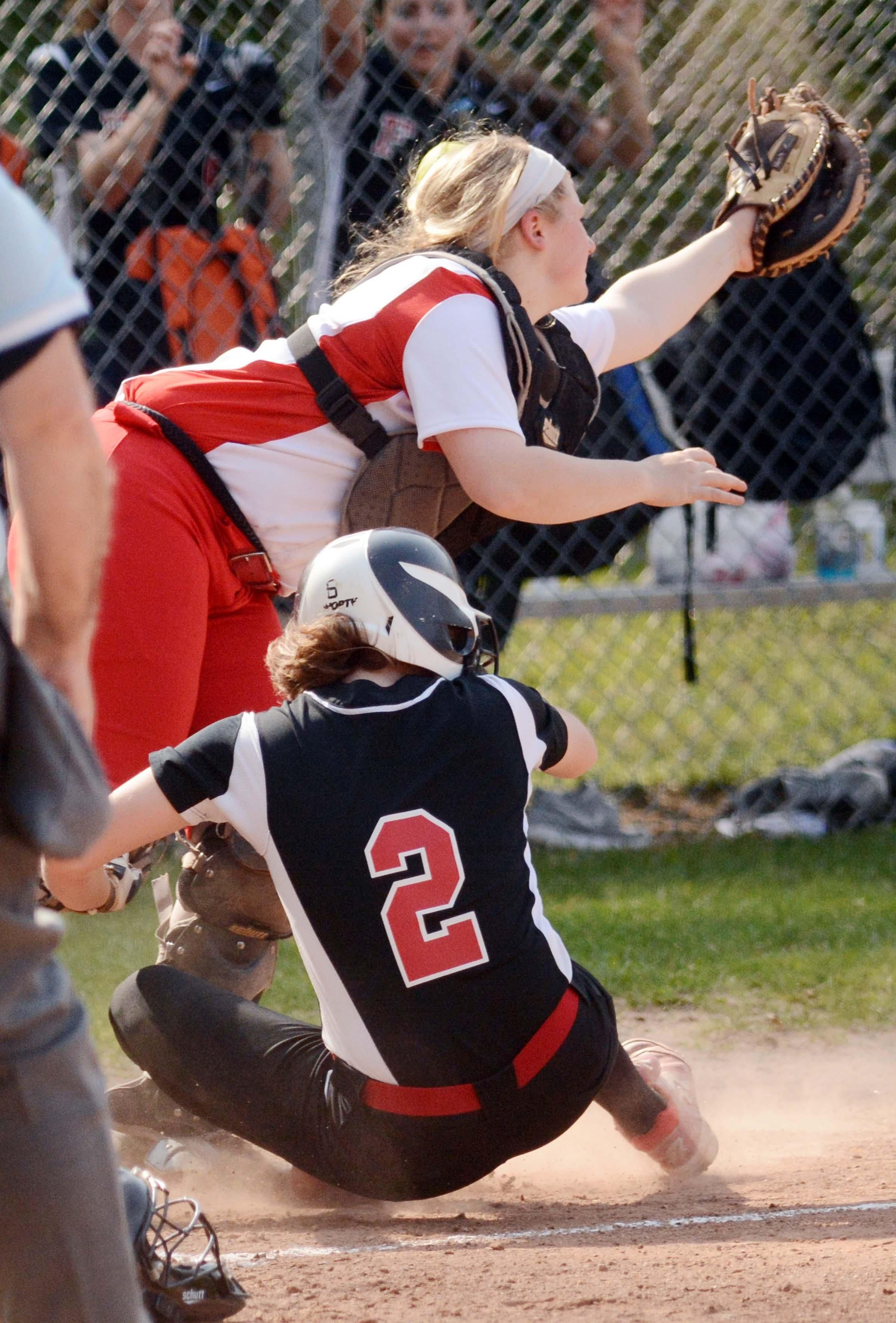 A pop fly to right field. It sounds simple, but it was a recipe for disaster for Norwich Free Academy in a 2-1, eight-inning loss to the No. 1 team in the state, Fitch, on Thursday. Bulletin Sports has the story: http://www.norwichbulletin.com/sports/20160512/chaotic-play-helps-no-1-fitch-softball-hold-off-nfa-2-1-in-8-innings #Ctsports #CT #Connecticut #HSSports #HSSoftball #NorwichCT #NorwichFreeAcademy #NFA #FitchHS #Softball