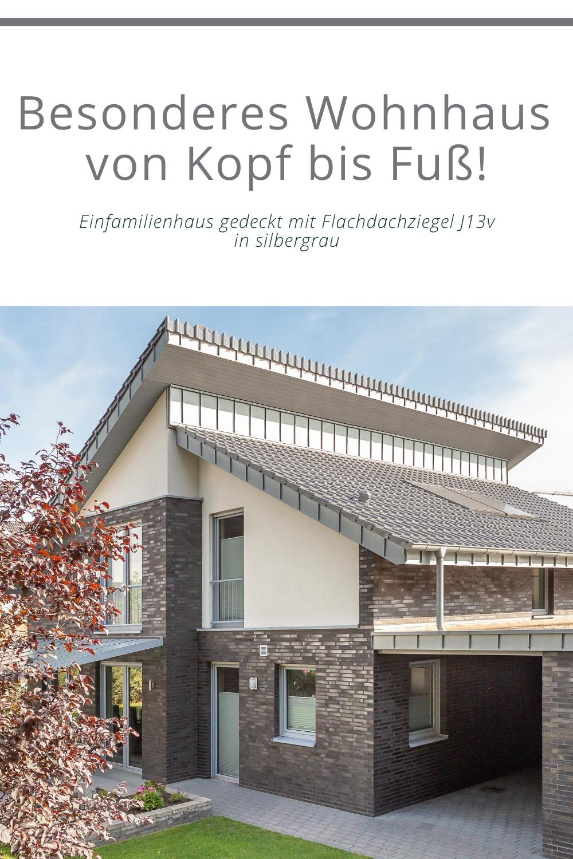 Für das besondere Einfamilienhaus: Flachdachziegel J13v in silbergrau