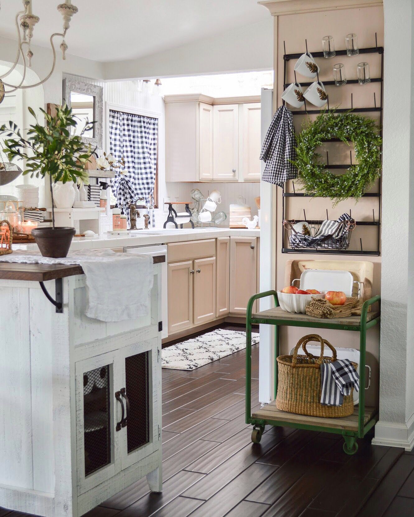 20 Charming Cottage Style Kitchen Decors: Fresh New Year Winter Home Makeover