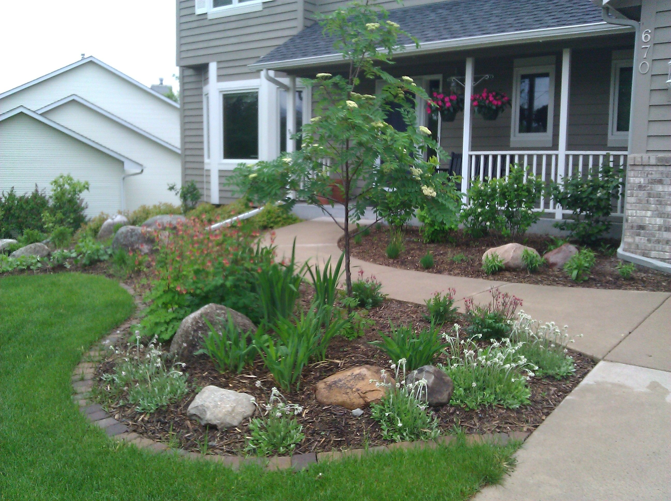 Ecoscapes Sustainable Landscaping Landscape Design Build Do It Yourself Front Yard Garden Small Front Yard Landscaping Front Yard Landscaping Design