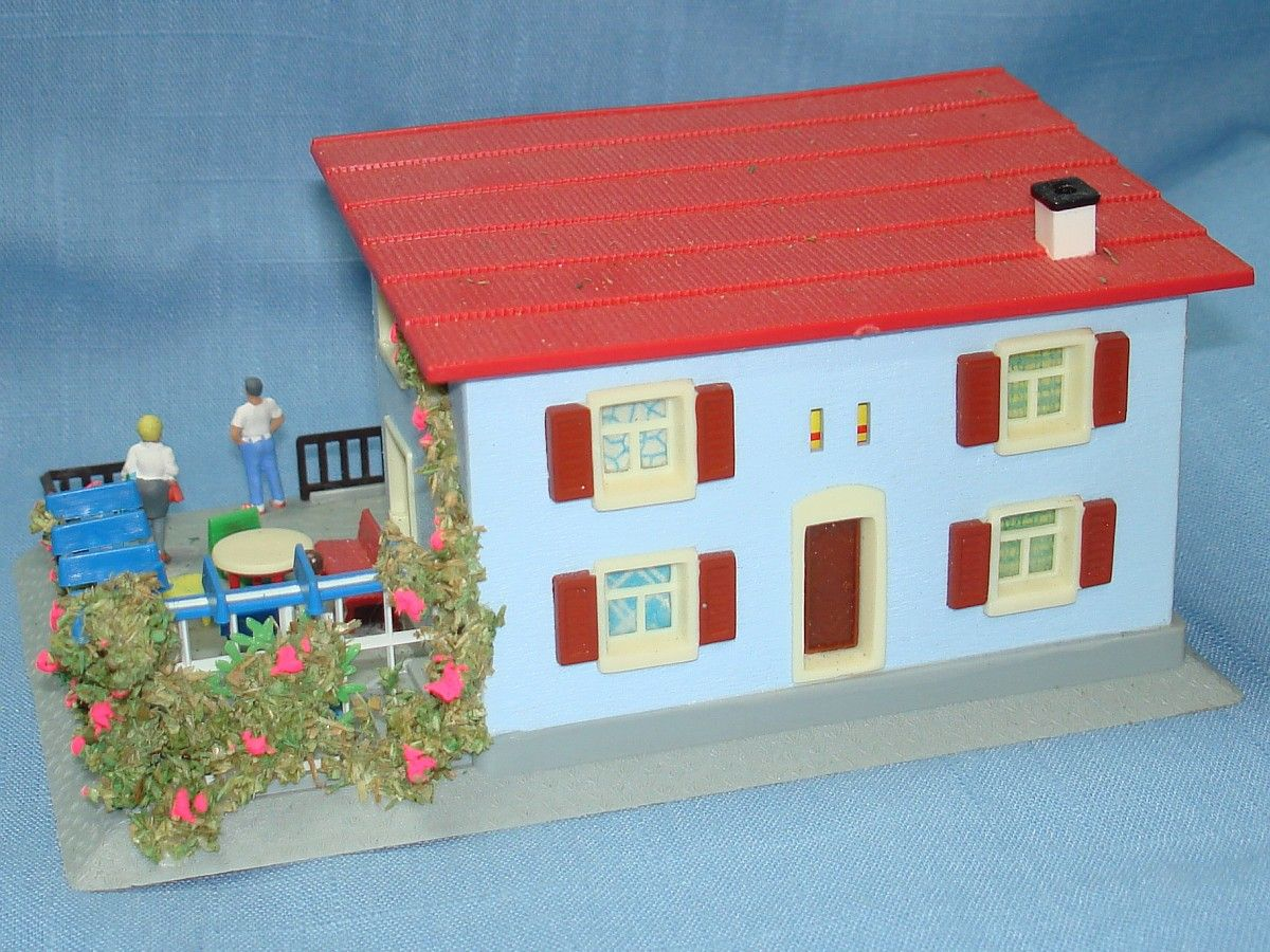 vintage toy apartment | Hoffmann Made In Austria #511 HO 2 Family Apartment With Garden Model ...