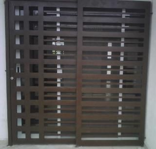 Puerta 8 porton pinterest rejas minimalistas y ventana for Puerta herreria minimalista