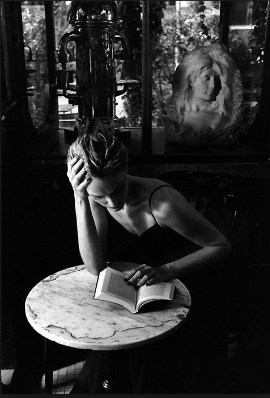 """Oshi on Twitter: """"""""A book is really like a lover. It arranges itself in your life in a way that is beautiful."""" M. Sendak   PH: Scianna https://t.co/A5tas0RSR8"""""""