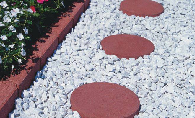 white marble landscape rock White Marble Chips with Round Patio
