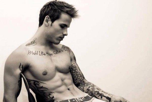 30 Fotos de homens tatuados para o delírio feminino