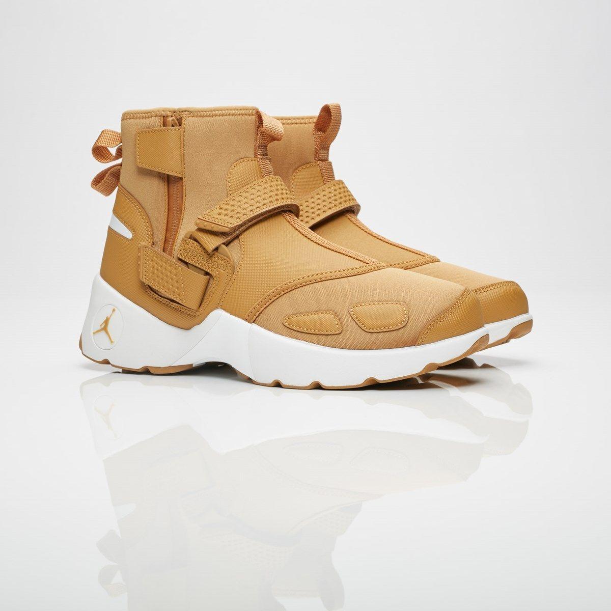 sports shoes f1b91 9a5e9 Jordan Brand Jordan Trunner LX High - Aa1347-725 - Sneakersnstuff    sneakers   streetwear