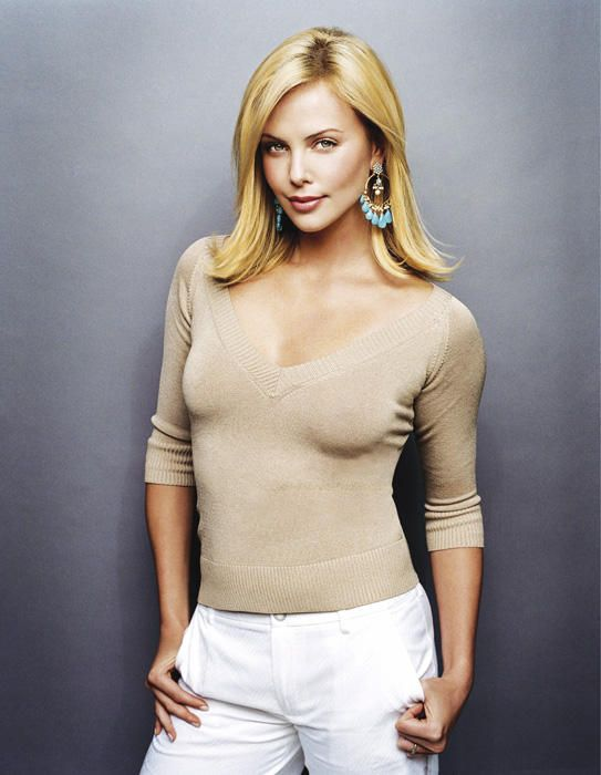 Charlize Theron B August 7 1975 Look The Camera
