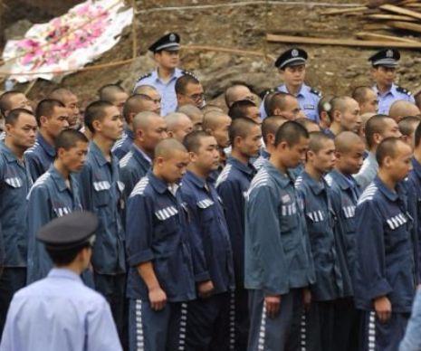 Grupurile pentru Drepturile Omului estimează că în China se execută mii de prizonieri anual, dar cifrele oficiale rămân un secret de stat. O parte dintre aceștia devin donatori pentru piața neagră a traficului de organe, o industrie prolifică în statul co...