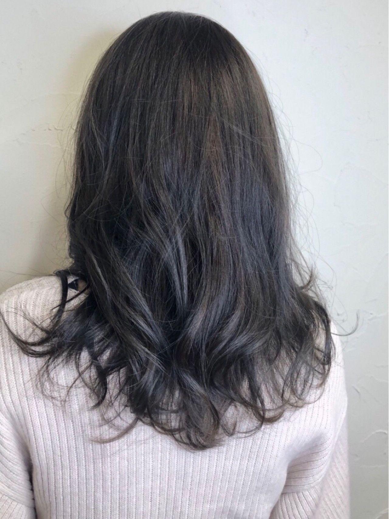 髪色に悩む女の子注目 染めるなら旬の カラーにしてみない