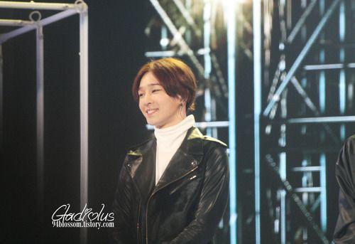 taehyun smile :)