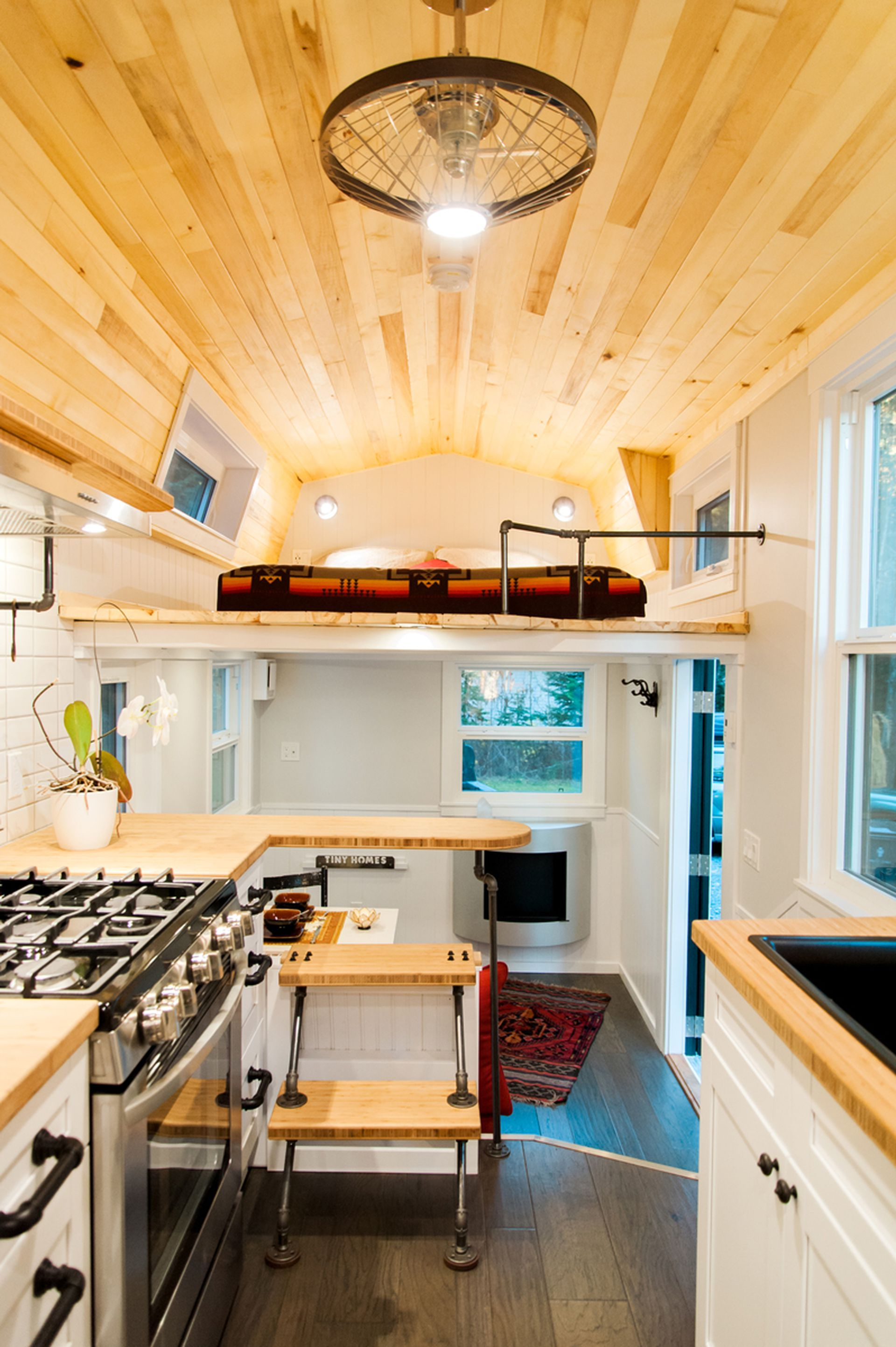 This rad tiny house was made for colder climates Petit