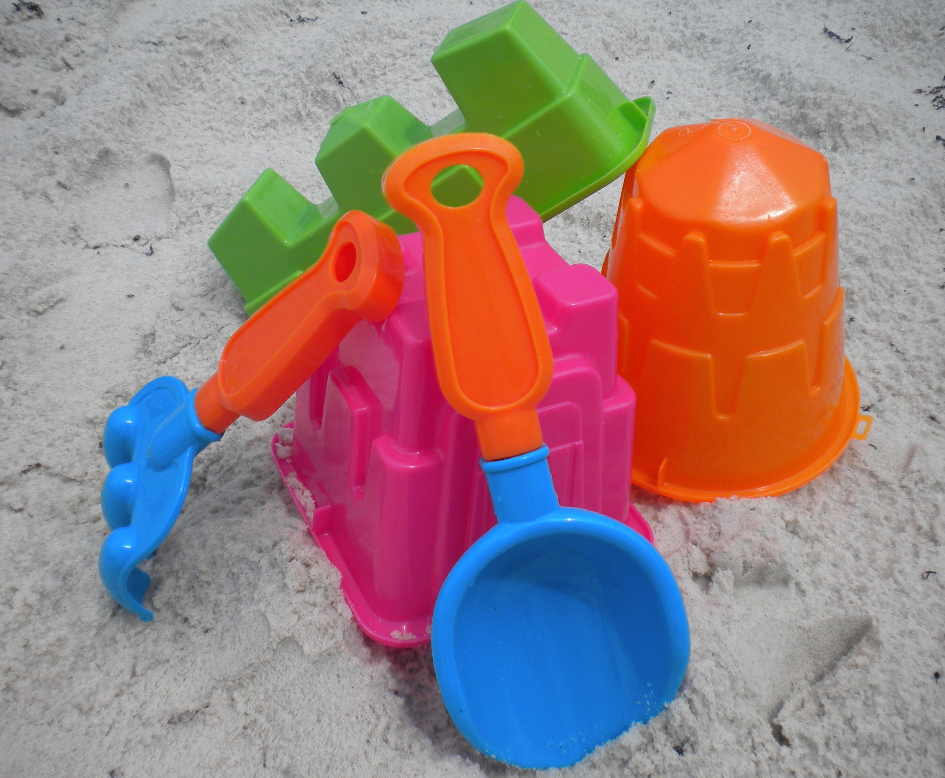 The best beach toys for kids might just be the least expensive and
