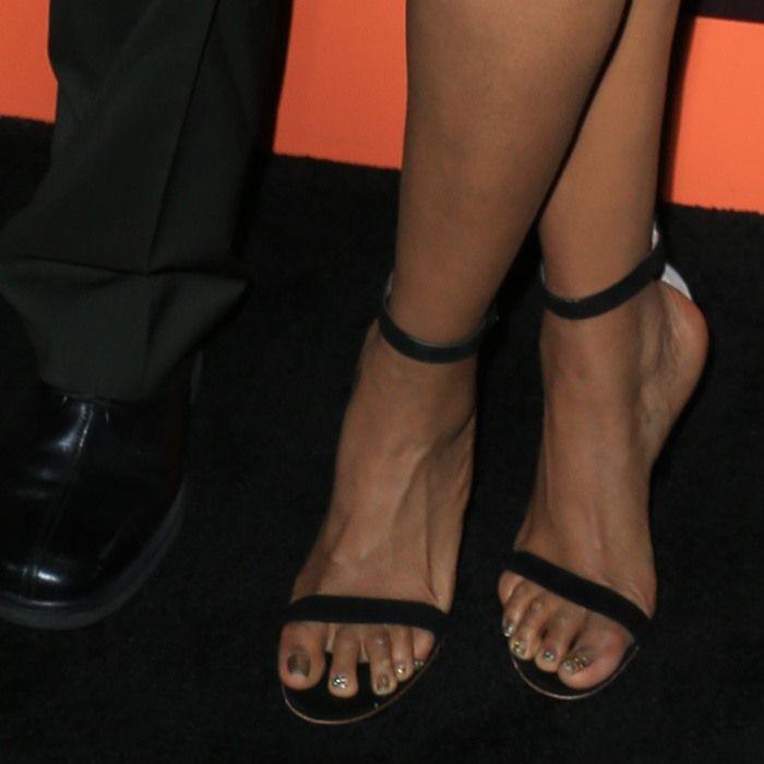 Hammertime: Jennifer Hudson Shows Off Corns in Givenchy Dress   Jennifer  hudson, Ankle straps and Givenchy