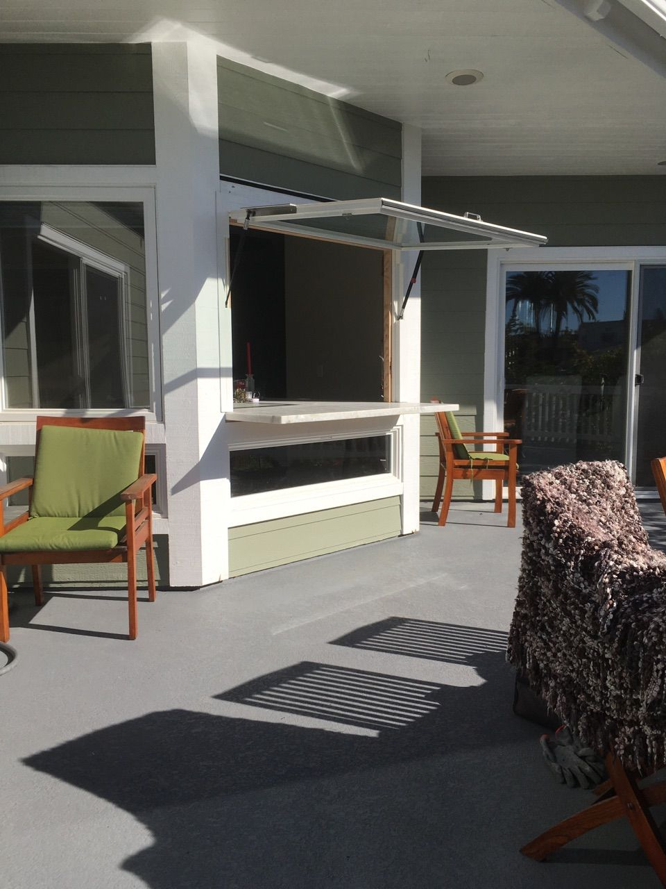 San Clemente Has Been Flipped Out Www Flipoutwindows Com Outdoor Living Rooms Indoor Outdoor Living Outdoor Spaces