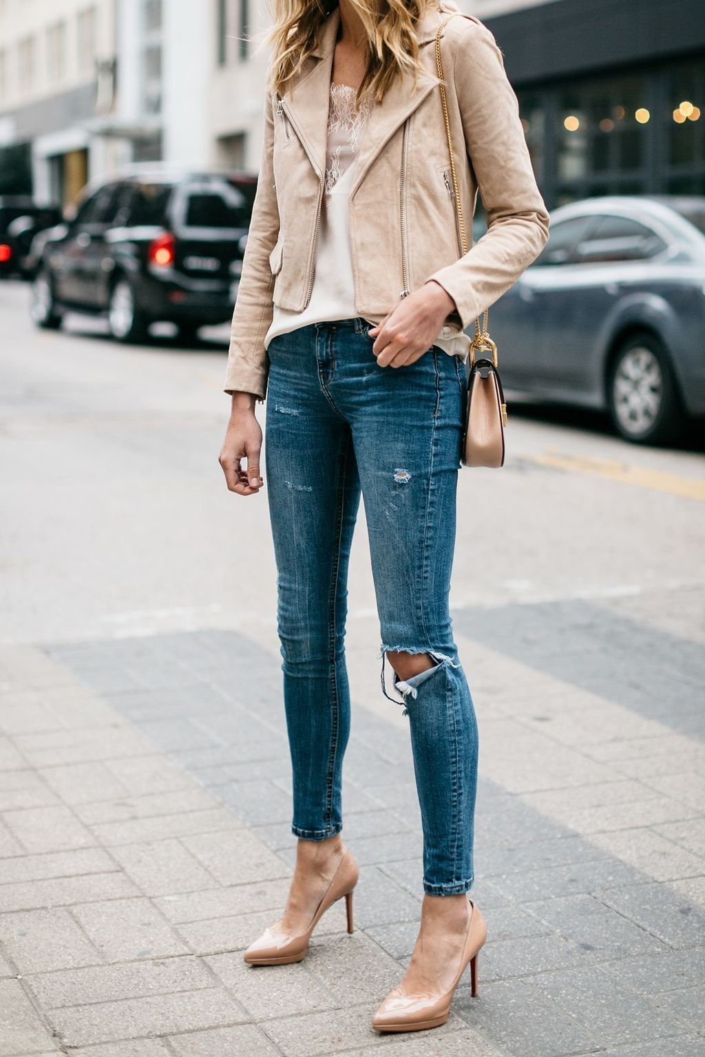 Pin By Kim Comisar On Fashion Beige Leather Jacket Outfit Suede Jacket Outfit Spring Jacket Outfit [ 1536 x 1024 Pixel ]