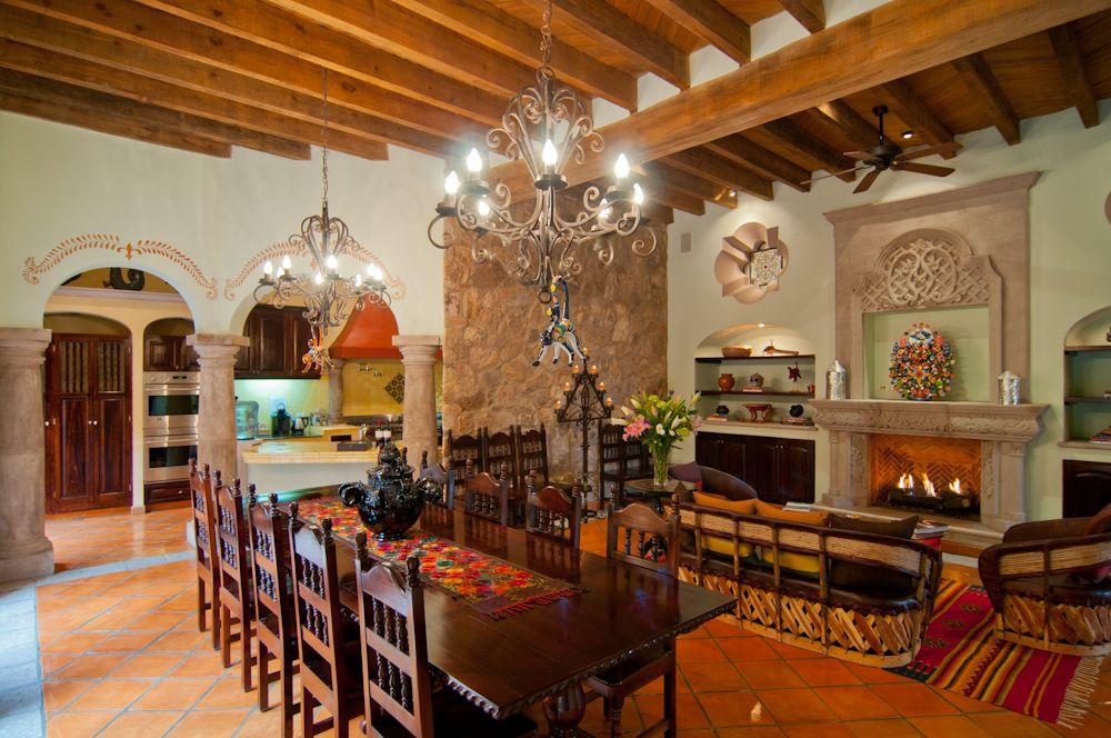 Antigua capilla b b san miguel casas rusticas for Casas coloniales interiores