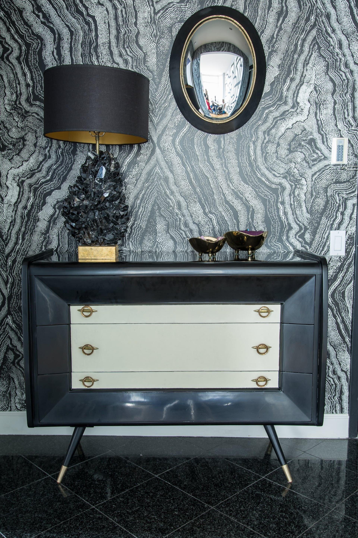 A Designer S Rebellious Art Deco Luxe Apartment House Tours Art  # Daquino Muebles