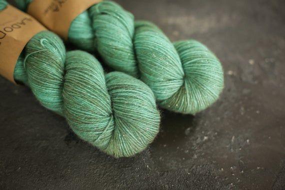 Sockenwolle mit Glitzern handgefärbt Handdyed Sock Yarn | Etsy