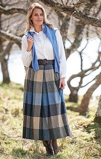 Soft Pleat Tweed Skirt