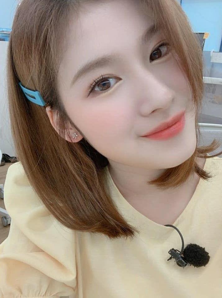 Pin by Vy on Twice | Twice hair, Press photo, Kpop girls