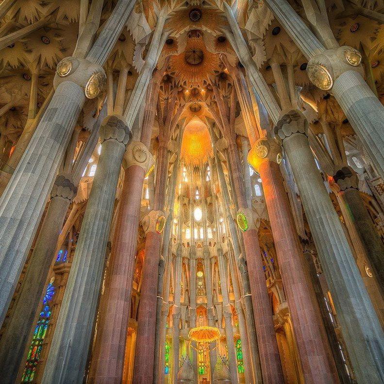 Sagrada Familia Lumière Intérieur Couleurs Sagrada Familia Barcelone Plan De Barcelone