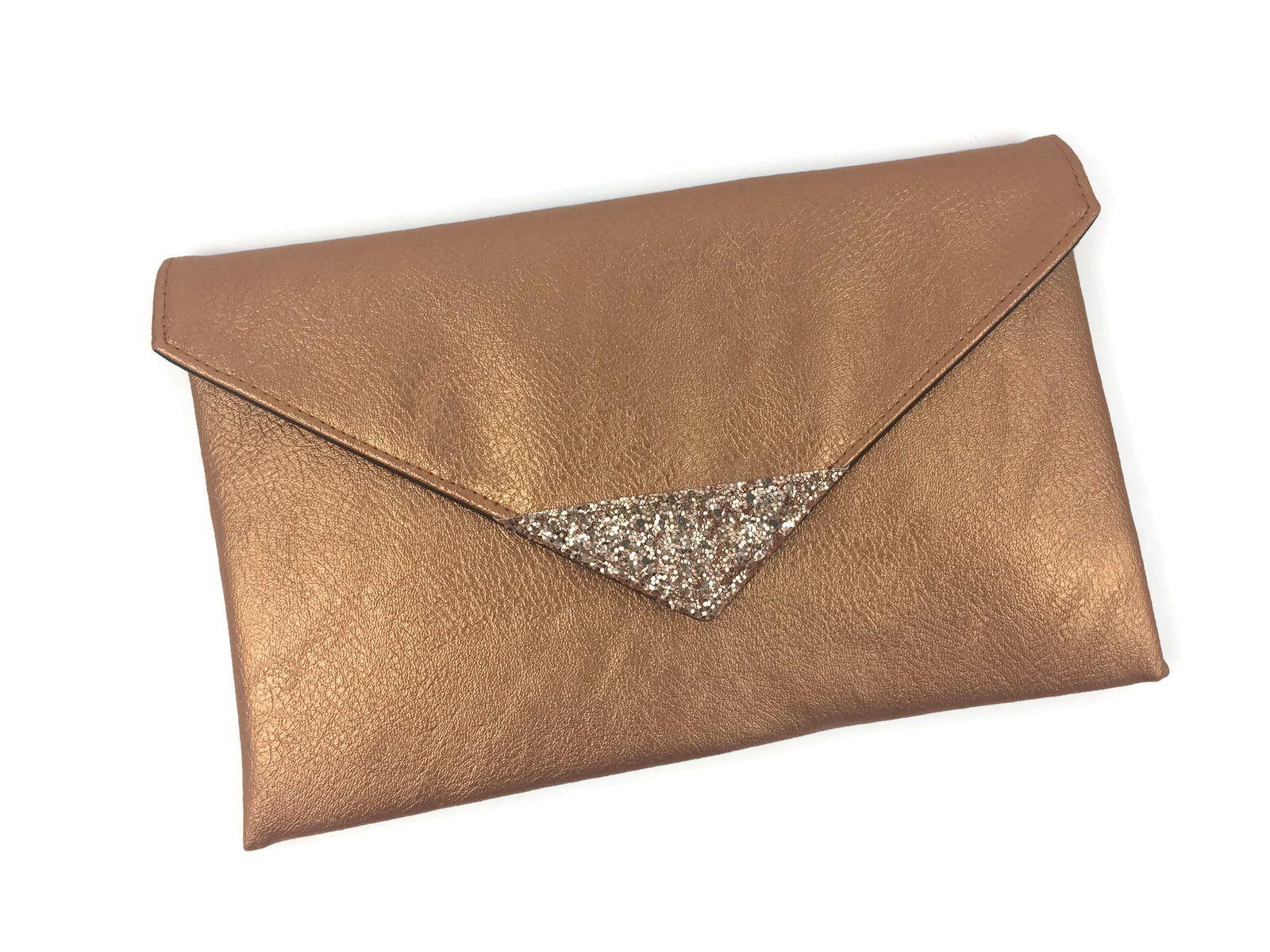 pochette de soir e en en simili cuir cuivr et paillettes rose gold sacs main par fil des. Black Bedroom Furniture Sets. Home Design Ideas