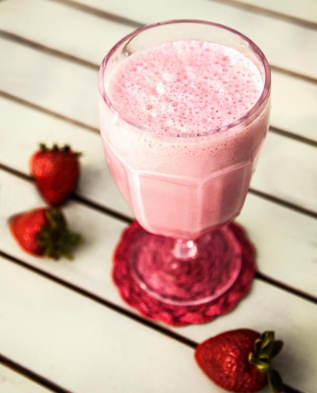 10 Healthy Fruit Smoothies, All Under 300 Calories! #fruitsmoothie