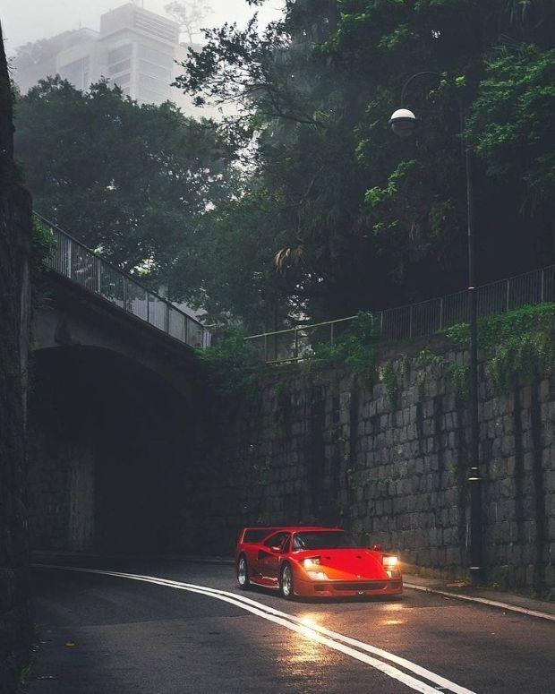 """• _________ • Credits: 》?…""""  236 kedveles, 15 hozzaszolas – Timeless Ferraris ⏳"""