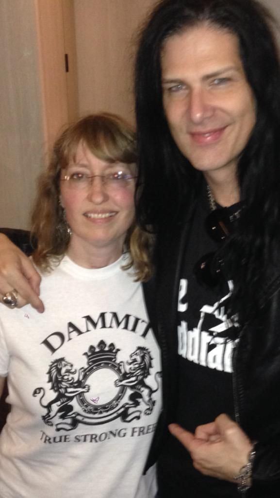 My 1st encounter with the new True Strong Free Dammit shirt. Thanks for the chat, Tracy