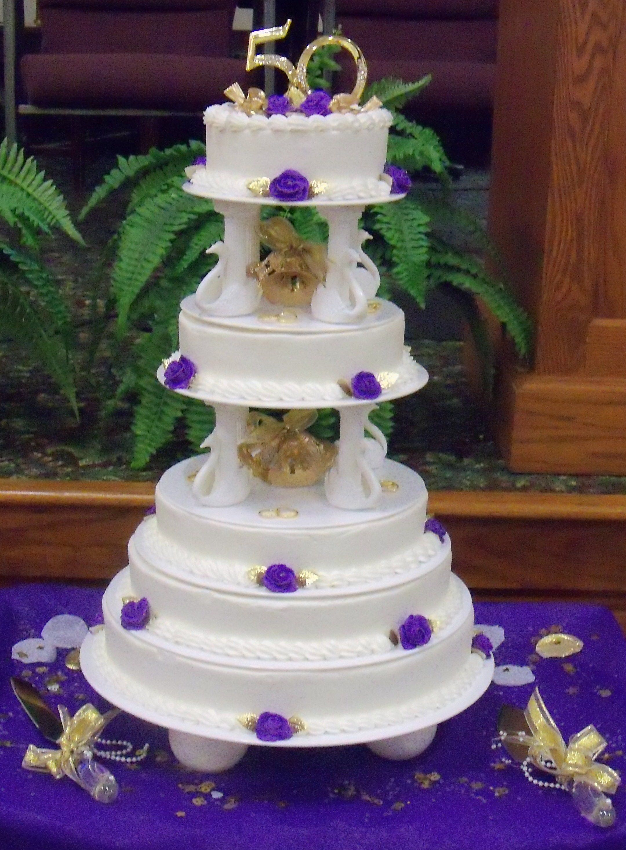 wedding cakes made with buttercream frosting 50th wedding anniversary cake cake made to resemble the 24965