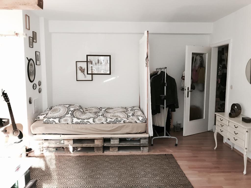 Eine Schone Variante Des Diy Paletten Bettes Einfach Doppelt