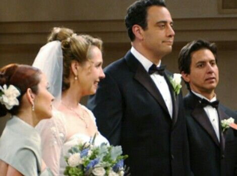 Amy And Robert S Wedding Everybody Loves Raymond Everybody Love Raymond Everyone Loves Raymond Wedding Movies