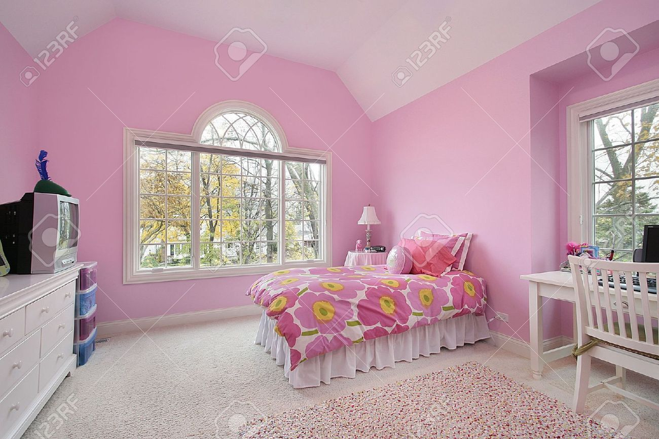 Modern Interior Decorating with Pink Color Combinations