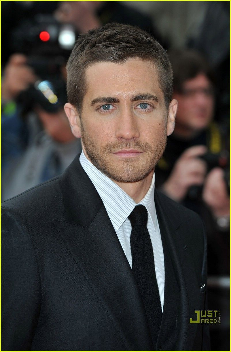 Oblong face haircut men jake gyllenhaal  amistad  pinterest  jake gyllenhaal face and