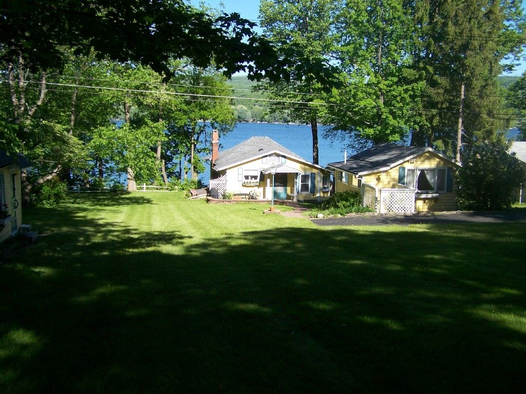 170 n OCT 3n 2 little cottages Honeoye Lake Vacation Rental