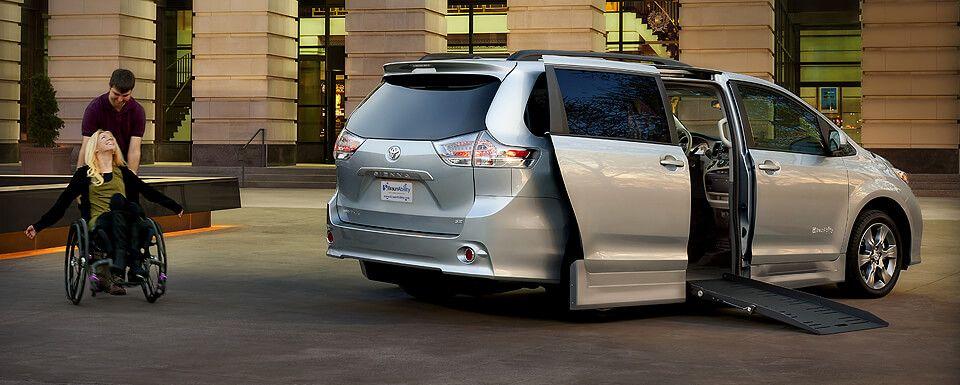 Wheelchair Vans BraunAbility Toyota Sienna for Sale
