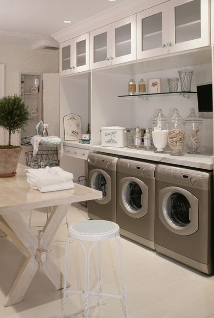 Love the clean look of this laundry room.