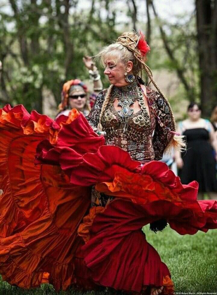 Pin by Teri Tobilla on Viva La Bohemé Tribal dance