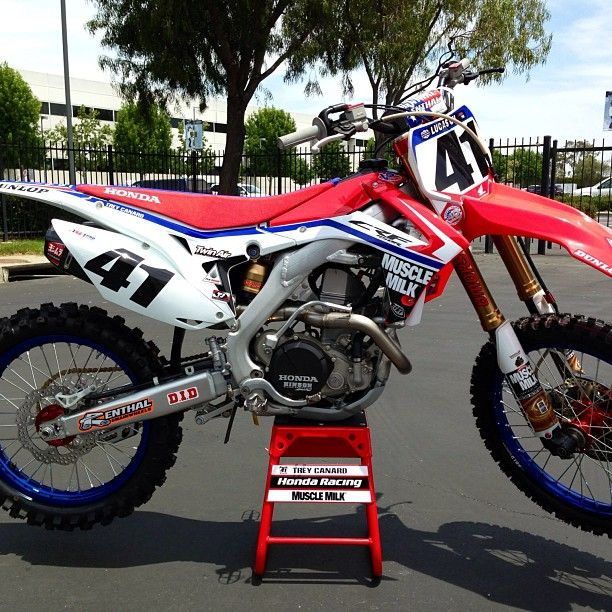 Team Muscle Milk Honda Is Running The Red White And Blue This Weekend At Red Bud Muscle Milk Honda Motocross