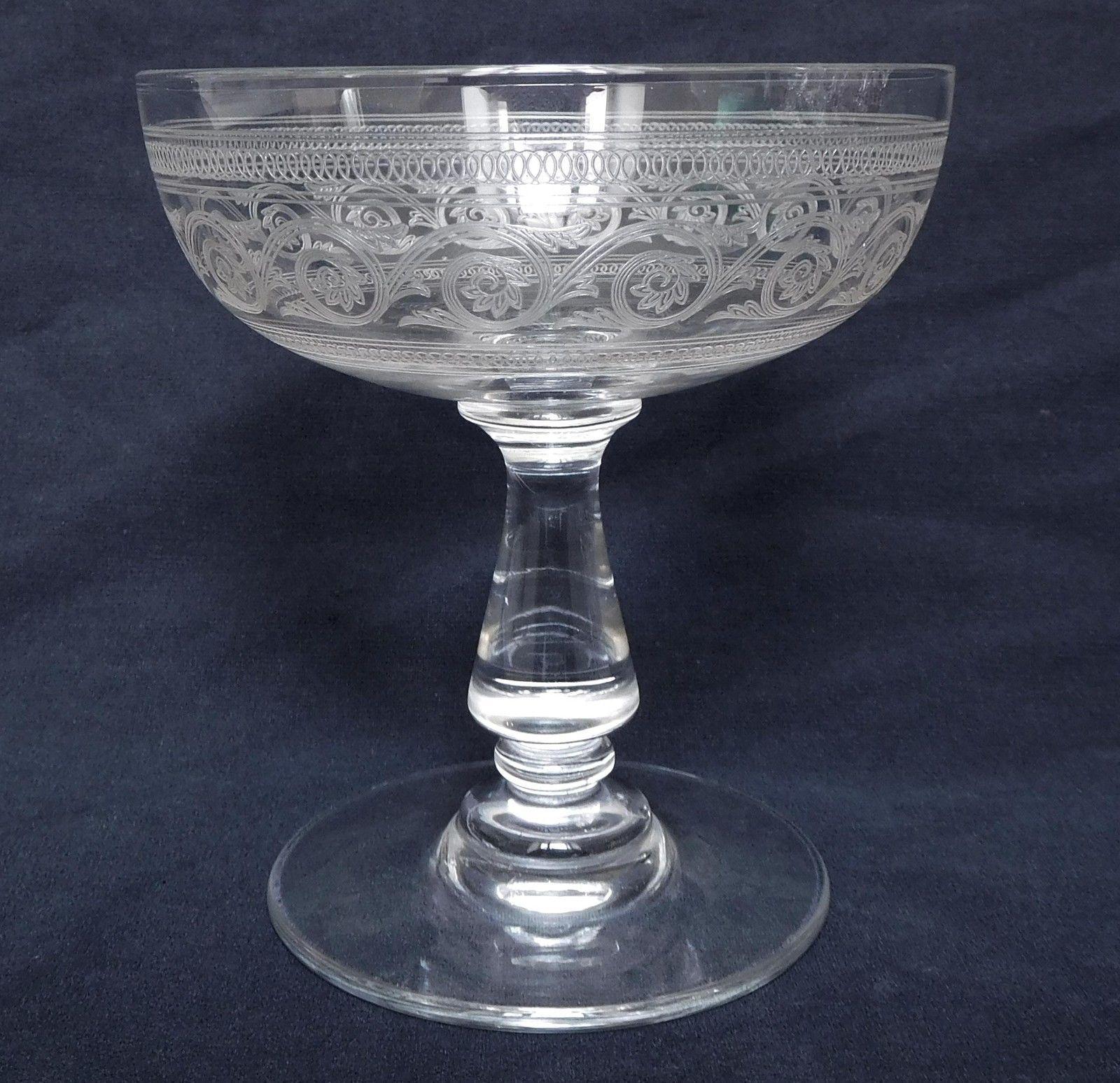 Baccarat 6 coupes à Champagne en cristal gravé forme gondole ...