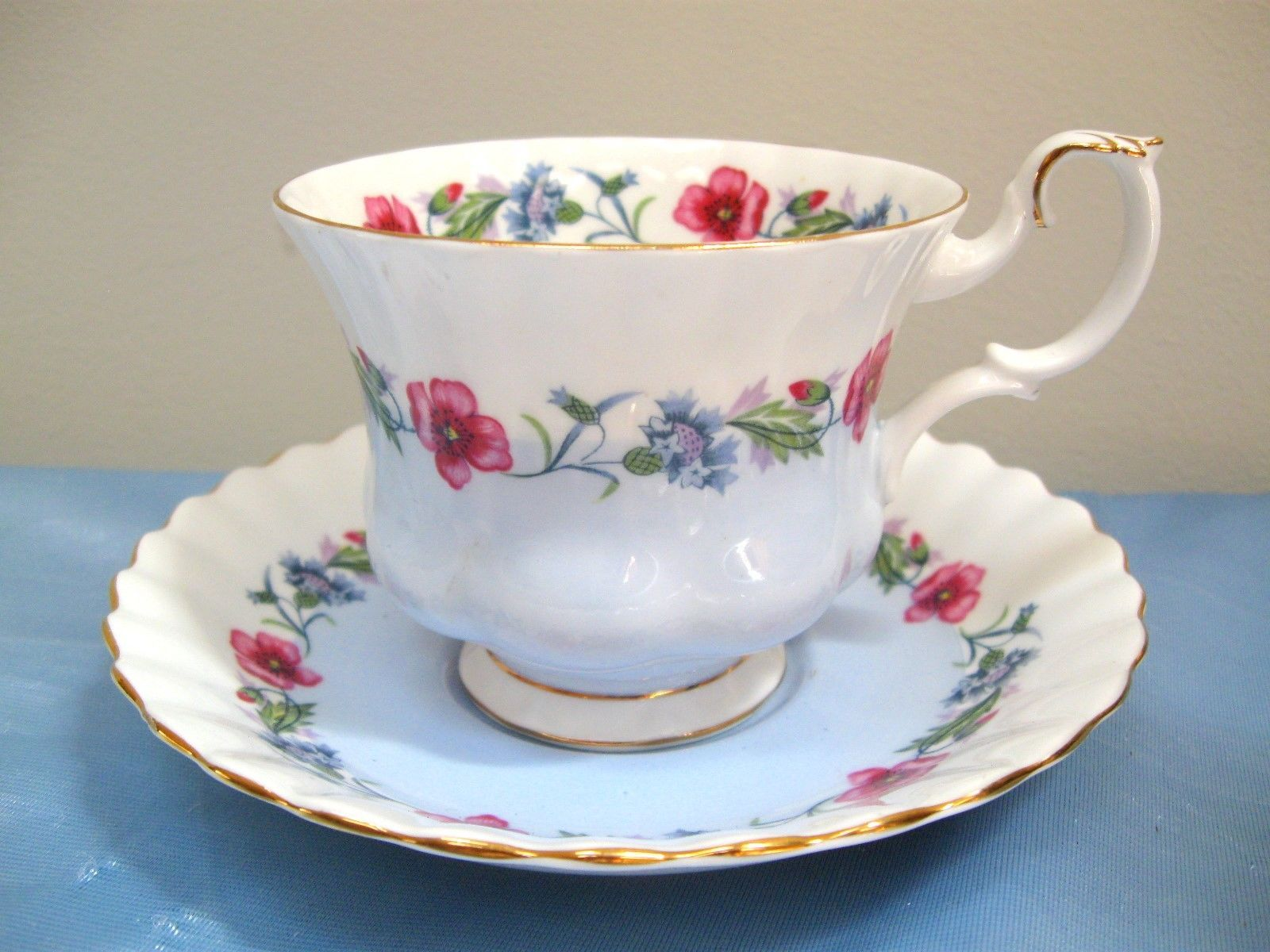 ROYAL ALBERT BONE CHINA CUP & SAUCER RIBBED BLUE & WHITE w RED