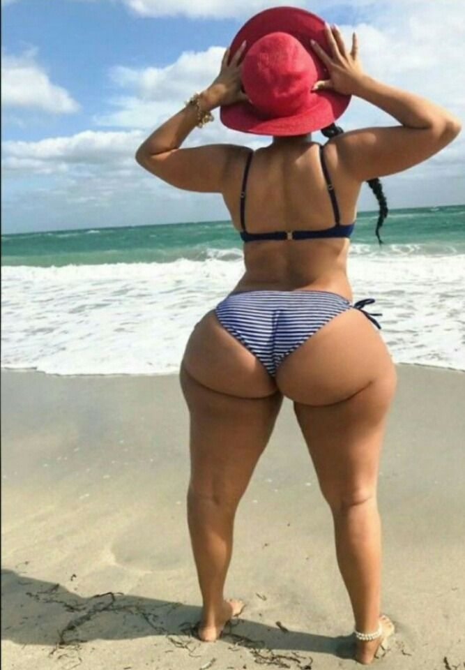 Big Black Booty With Widehips