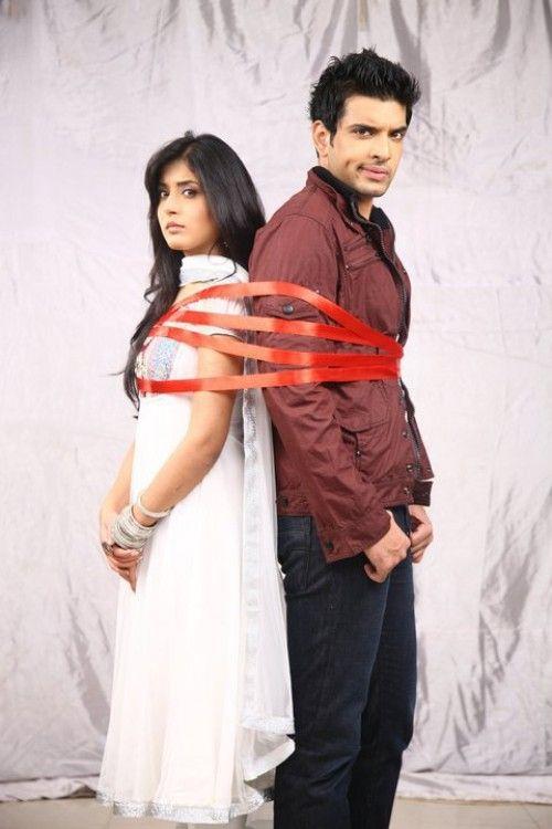 Karan kundra and kritika kamra wedding dresses