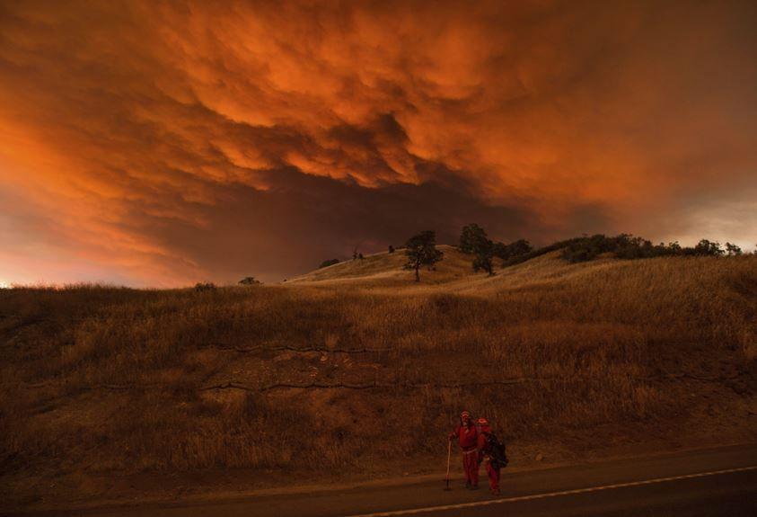 Incendios en California avanzan fuera de control