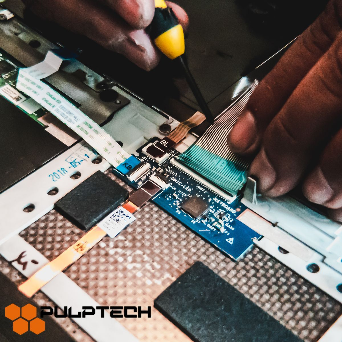 The Technology Reserectors Bringing Your Phone Back To Life Laptop Repair Repair Tablet Laptop
